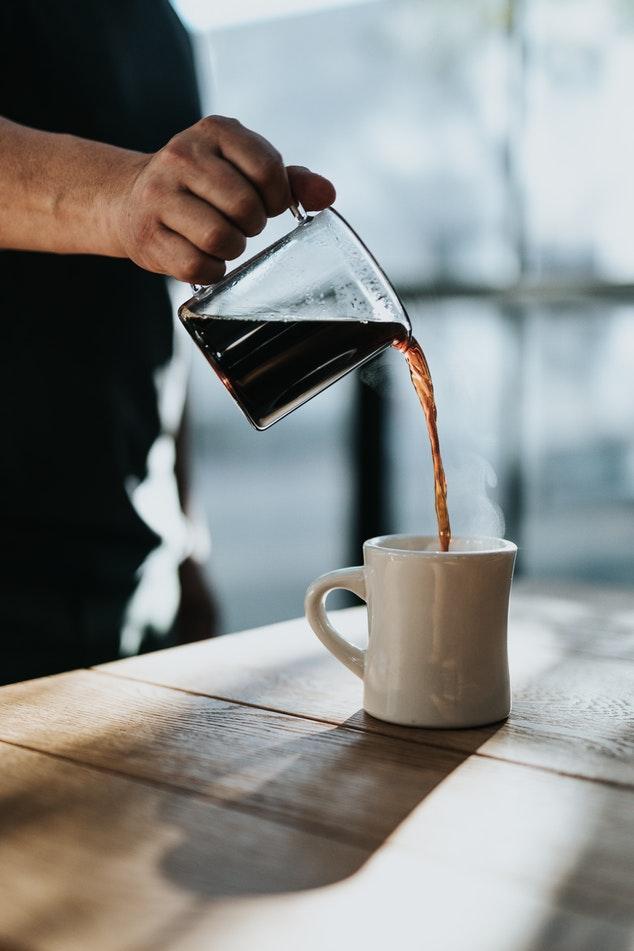 Friskbrygget kaffe gør pausen ekstra god